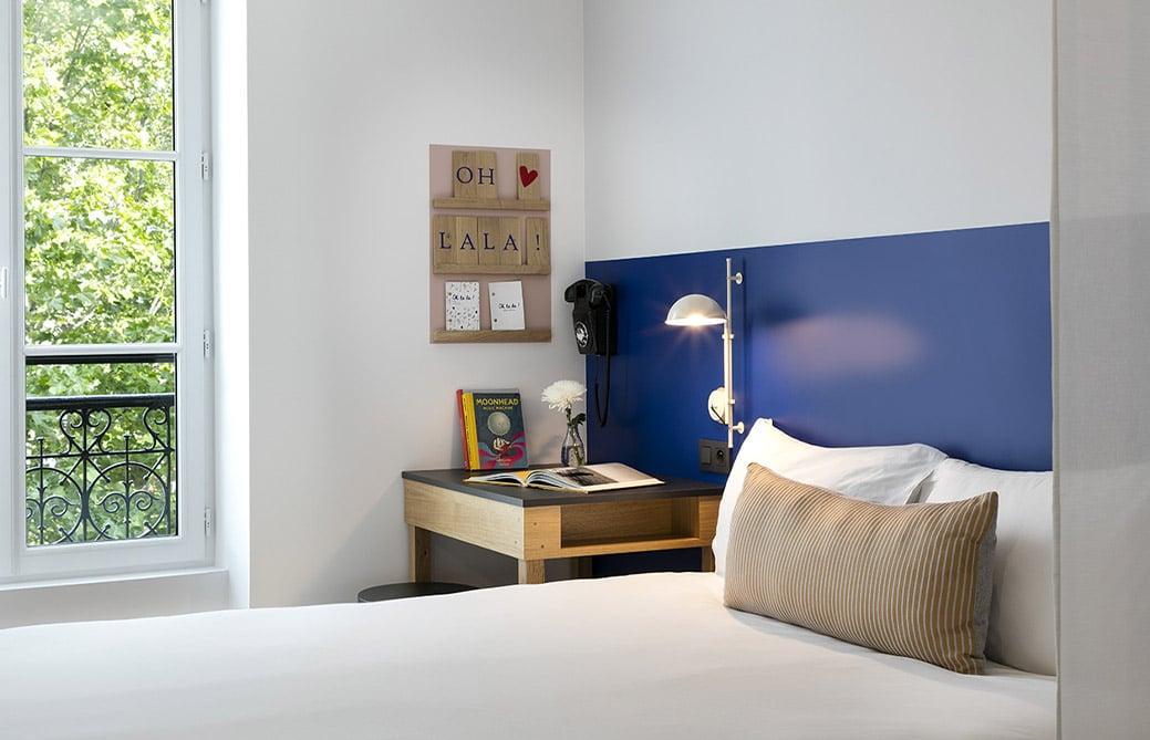 OH LA LA ! Hotel Bar - Chambre double - vue Bastille (3)